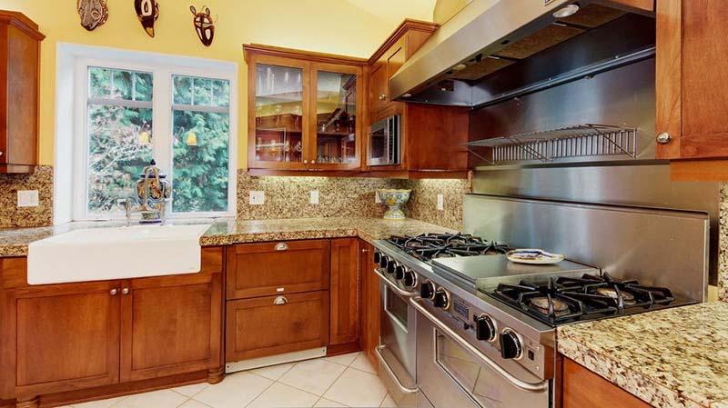 Santa Cecilia Dark Kitchen Countertop